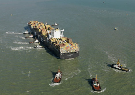 When the MSC Luciana was grounded on a sandbank near Zeebrugge in 2011, tugs from Multraship and URS came to the rescue.